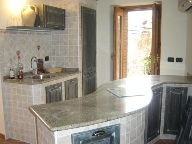 P.Bellavista kitchen side view